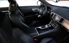2013-Jaguar-XF-Dashboard